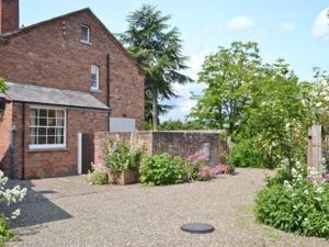Lower Apartment in Tenbury, Worcestershire, England