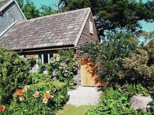 Mole End Cottage in Halstock, Dorset, England