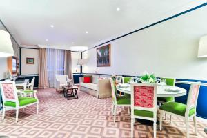 Suite Deluxe med 2 soverom og utsikt over Champs Elysees