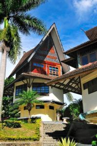 Photo of Sapadia Hotel And Cottage Parapat