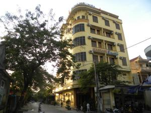 Photo of Ha Noi Hotel