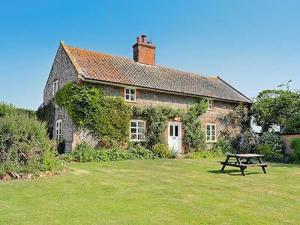 Rose Cottage in Aylmerton, Norfolk, England