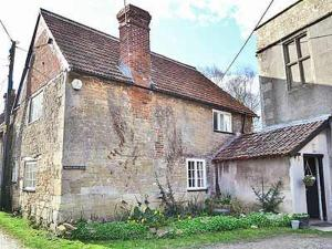 Longs Arms Cottage in Steeple Ashton, Wiltshire, England