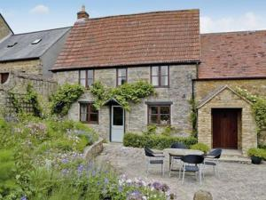 Smokeacre Farm Cottage in Yeovil, Somerset, England
