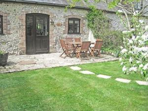 Hound Cottage in Piddletrenthide, Dorset, England