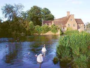 Millstream Cottage in Fairford, Gloucestershire, England