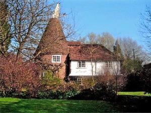 Old Curteis Oast in Biddenden, Kent, England