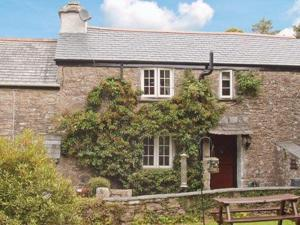 Halfpenny Cottage in Saint Neot, Cornwall, England