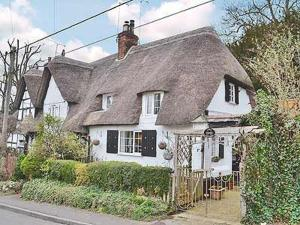 April Cottage in Figheldean, Wiltshire, England