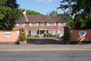 Four Seasons Guest House in Gatwick, Surrey, England
