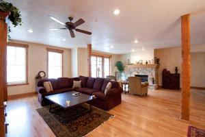 Four-Bedroom Apartment - Townpointe C204