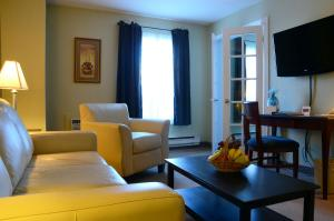 Chateau Regina Hotel and Suites, Hotels  Regina - big - 14