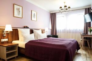 Hotel Elch room photos
