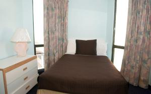 Double Room with One Double Bed and Sea View - M4