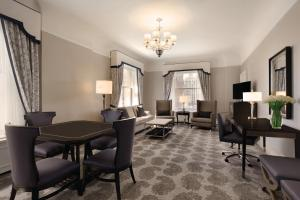 King Suite with Parlor and Sofa Bed - Main Building