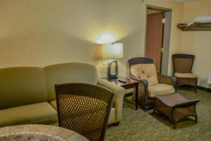 Luxury Suite with Sofa Bed