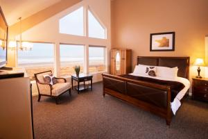 Deluxe Suite with Ocean View- non pet friendly