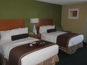 Deluxe Suite with Two Double Beds - Disability Access - Non-Smoking