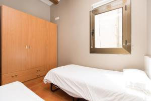 AinB Raval-Hospital Apartments