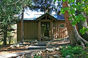 Mandan Cottage By Stewart Mountain Lodging