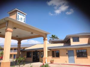 Photo of Executive Inn