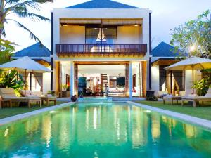 Photo of Majapahit Beach Villas   Villa Raj