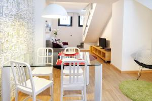 Two-Bedroom Apartment - Galceran Marquet 8