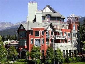 The Alpenglow Lodge by ResortQuest Whistler Whistler