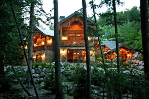 Pine Hollow By Stewart Mountain Lodging