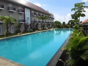 Photo of Batu Suki Resort And Hotel