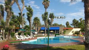 Photo of Hotel Las Palmas Midway Inn