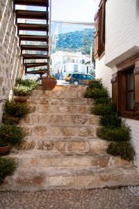 Courtyard, Hotels  Kalkan - big - 47