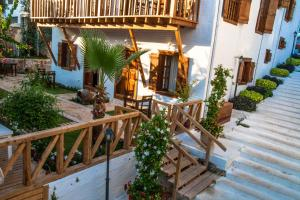 Courtyard, Hotels  Kalkan - big - 25