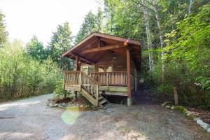 Stay Tofino's Properties Ucluelet   Evergreen Forest Cabins