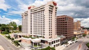 Photo of Sheraton Suites Country Club Plaza