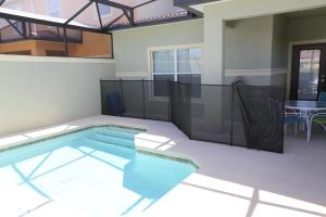 Luxury Four-Bedroom Townhome with Pool ROH - Paradise Palms Resort