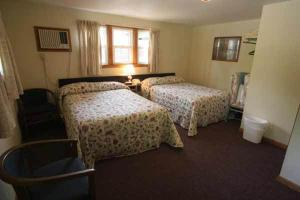 Double Room with Two Double Beds - Room 2