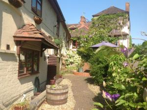 The Old Plough B&B in Tewkesbury, Worcestershire, England