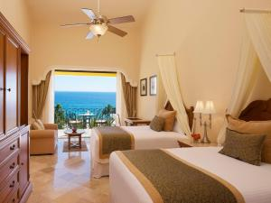 Junior Suite Ocean View with Two Double Beds