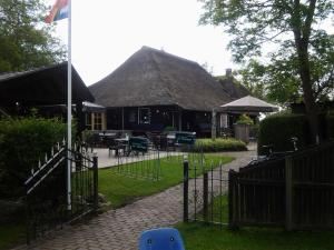 De Sloothaak, Holiday homes  Giethoorn - big - 4