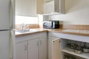 One-Bedroom Suite with Kitchenette