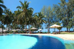 Photo of Bluebay Beach Resort & Spa