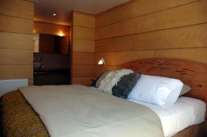 Double Room with Lateral View