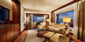 Park Suite with Balcony and Executive Lounge Access
