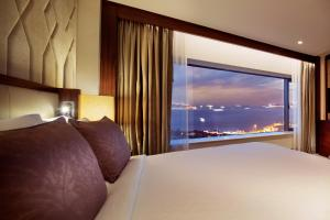 Bosphorus Suite with Balcony and Executive Lounge Access