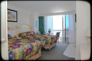 Studio with Two Queen Beds - Non-Smoking - Partial Ocean View