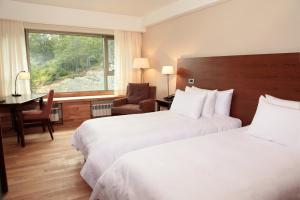 Resort Connecting Double Rooms with Mountain View