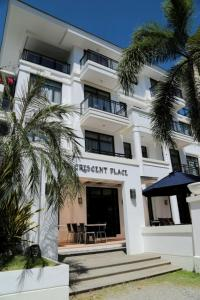 One Crescent Place Hotel