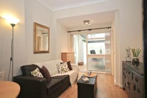 Photo of Fg Property   Earls Court, Kempsford Gardens Flat A