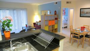 Photo of Two Bedroom Vacation Apt #Dtrs2 B